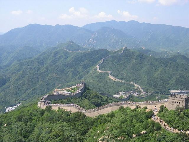 Длина Великой Китайской стены,