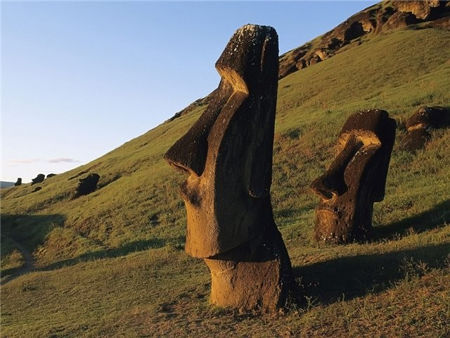 моаи острова пасхи