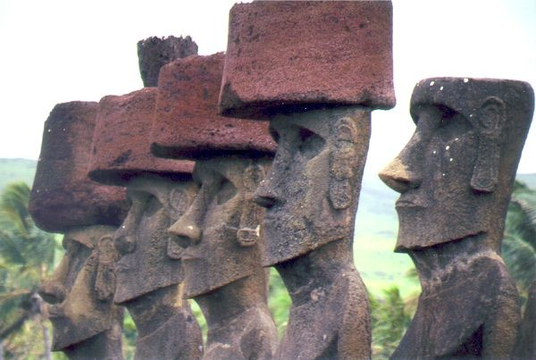 моаи истуканы с острова пасхи